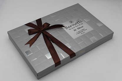 تصویر شکلات کادویی m-silver
